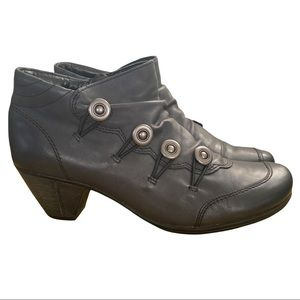 Remonte grey leather ankle booties size 7 EUC